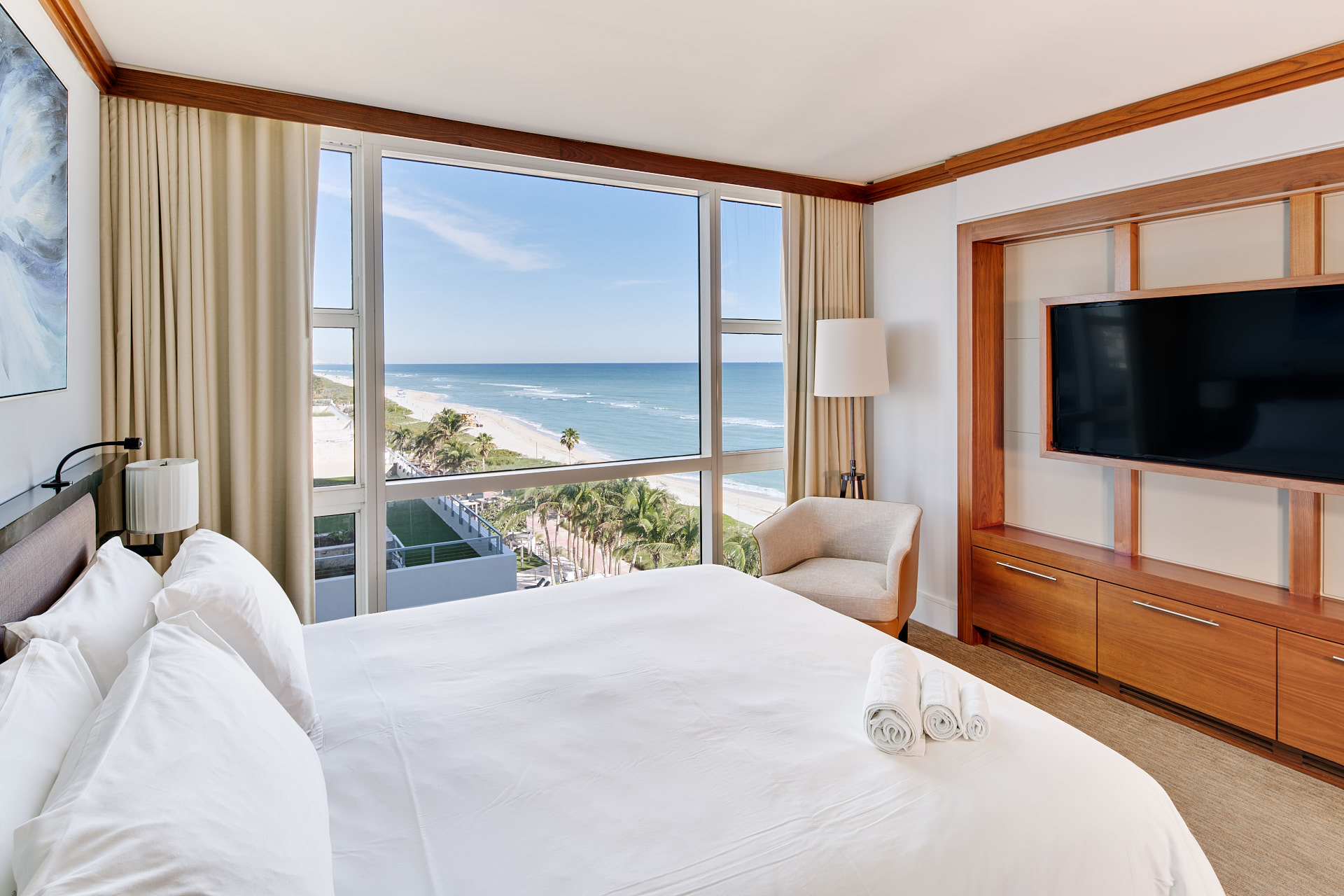 Carillon Miami Wellness Resort Suite