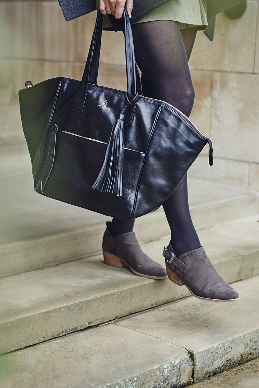 Weekender leather bag by Stick & Ball English Photo Shoot
